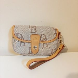 Dooney & Bourke Small Wristlet